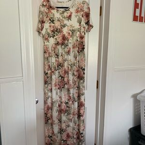 floral maternity dress with pockets